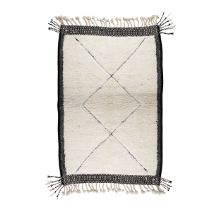 Tapis berbere avec bordures noires 164x110cm
